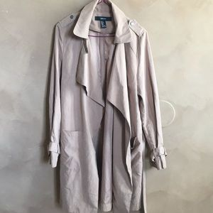 Trenchcoat by Forever 21 small size never worn it